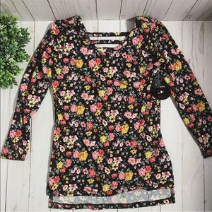 🌺 Girls soft floral long sleeve top size small
